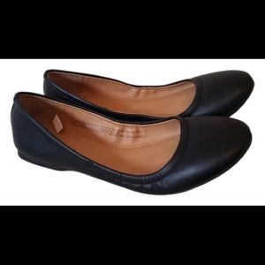 Mossimo black slip on shoes